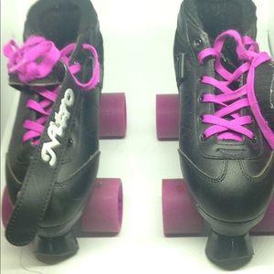Shoes - Black and purple skates cheap!!!